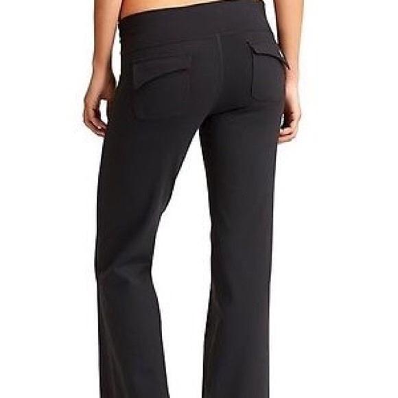 c6abd8e357edf Athleta Pants - ATHLETA Fusion Yoga Pants Flare Leg Flap Pocket